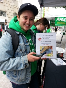 People enjoyed playing CFR's mobile app game to learn about food safety during the Feeding 5000 event